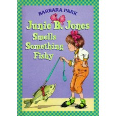 JUNIE B.JONES SMELLS SOMETHING FISHY